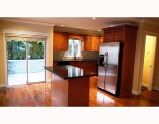 Photo 4: 3115 SUNNYHURST RD in North Vancouver: Condo for sale : MLS®# V753747