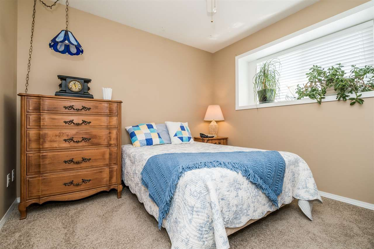 """Photo 23: Photos: 35715 LEDGEVIEW Drive in Abbotsford: Abbotsford East House for sale in """"Ledgeview Estates"""" : MLS®# R2481502"""