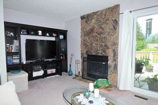 Photo 4: 3177 SECHELT Drive in Coquitlam: New Horizons House for sale : MLS®# R2174898