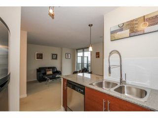"""Photo 7: 803 813 AGNES Street in New Westminster: Downtown NW Condo for sale in """"DOWNTOWN NW"""" : MLS®# V1101785"""