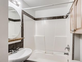 Photo 10: 916 18 Avenue SE in Calgary: Ramsay Detached for sale : MLS®# A1098582