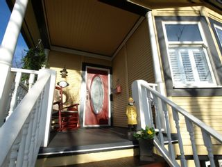 "Photo 4: 408 E 2ND Street in North Vancouver: Lower Lonsdale House for sale in ""THE JONES RESIDENCE"" : MLS®# V806455"