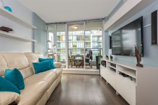"""Photo 2: 1104 89 W 2ND Avenue in Vancouver: False Creek Condo for sale in """"PINNACLE LIVING FALSE CREEK"""" (Vancouver West)  : MLS®# R2250974"""