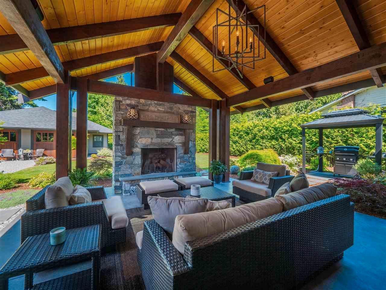 Main Photo: 7834 REDROOFFS Road in Halfmoon Bay: Halfmn Bay Secret Cv Redroofs House for sale (Sunshine Coast)  : MLS®# R2591763