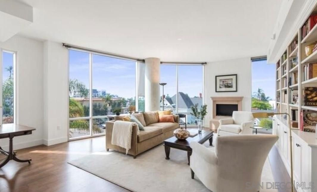 Main Photo: SAN DIEGO Condo for rent : 2 bedrooms : 3415 6th Ave #4