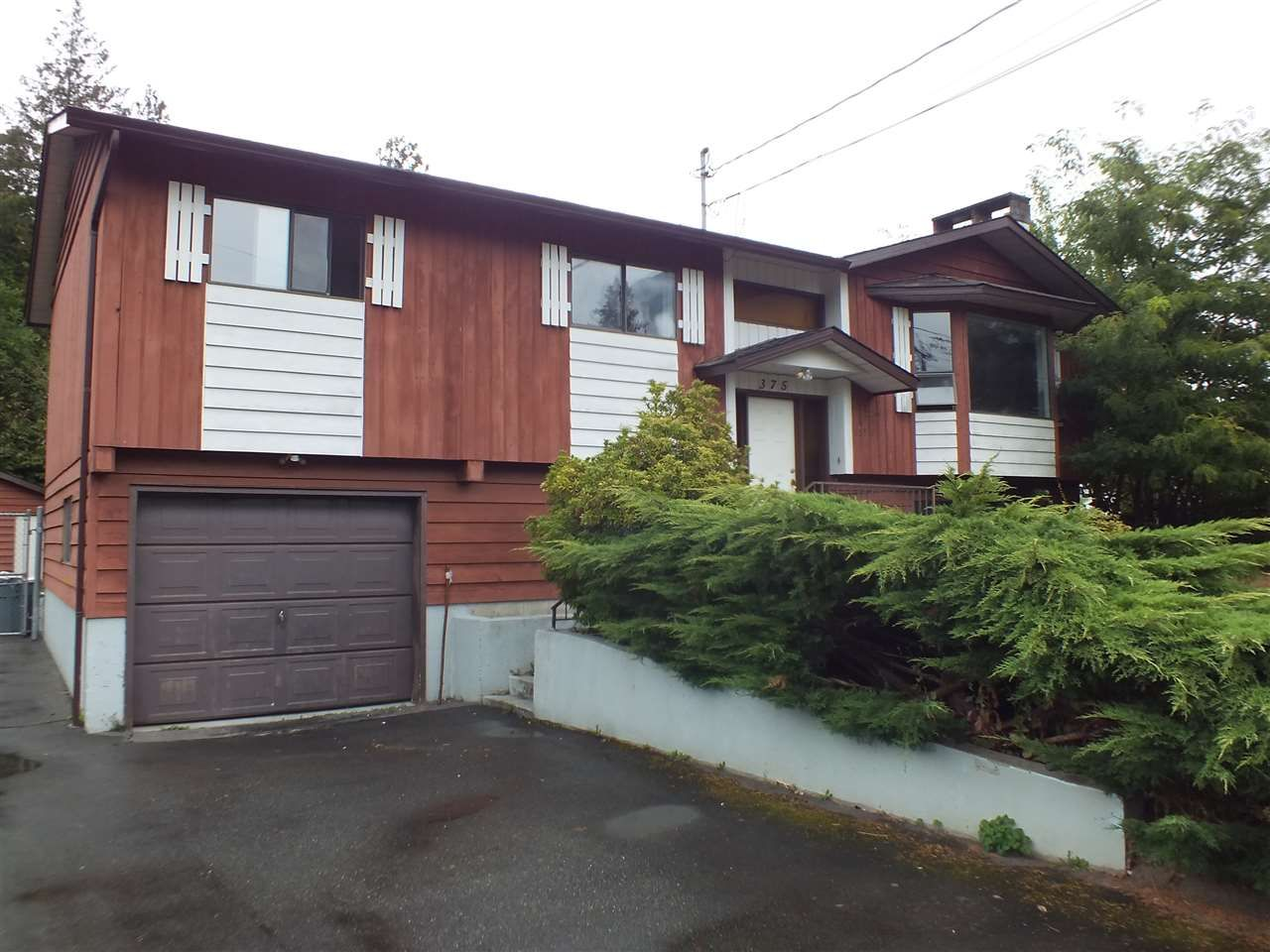Main Photo: 375 FERRY LANDING Place in Hope: Hope Center House for sale : MLS®# R2501552