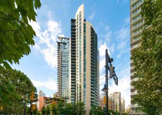 """Photo 3: 2109 501 PACIFIC Street in Vancouver: Downtown VW Condo for sale in """"THE 501"""" (Vancouver West)  : MLS®# R2492632"""