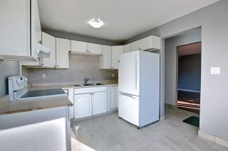 Photo 10: 191 LONDONDERRY Square in Edmonton: Zone 02 Townhouse for sale : MLS®# E4238210