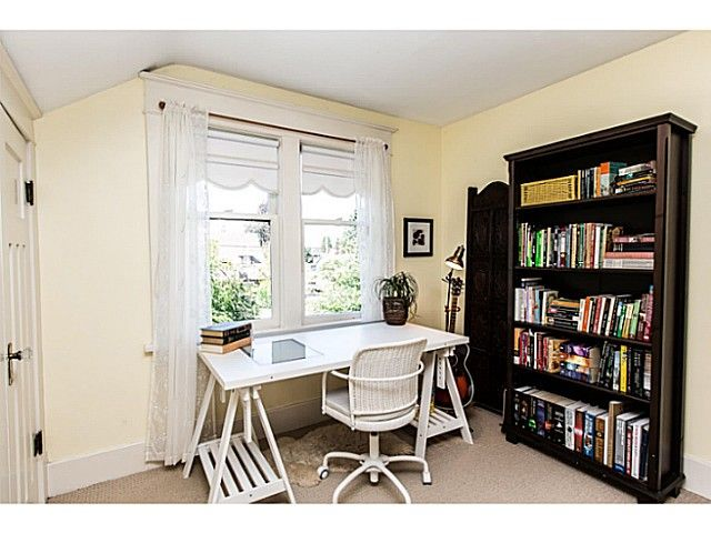 """Photo 15: Photos: 402 SIXTH Avenue in New Westminster: Queens Park House for sale in """"QUEEN'S PARK"""" : MLS®# V1083749"""