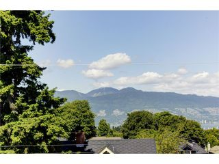"""Photo 4: 3739 W 24TH Avenue in Vancouver: Dunbar House for sale in """"DUNBAR"""" (Vancouver West)  : MLS®# V1069303"""