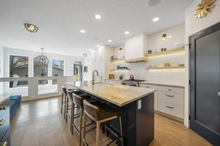 Photo 2: 1837 Broadview Road NW in Calgary: Hillhurst Detached for sale : MLS®# A1113102