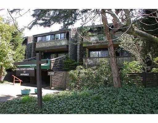 """Main Photo: 205 708 8TH AV in New Westminster: Uptown NW Condo for sale in """"VILLA FRANCISCAN"""" : MLS®# V580191"""