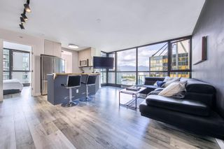 """Photo 2: 1710 1367 ALBERNI Street in Vancouver: West End VW Condo for sale in """"The Lions"""" (Vancouver West)  : MLS®# R2615507"""