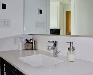 """Photo 4: 506 3557 SAWMILL Crescent in Vancouver: South Marine Condo for sale in """"ONE TOWN CENTRE"""" (Vancouver East)  : MLS®# R2449280"""