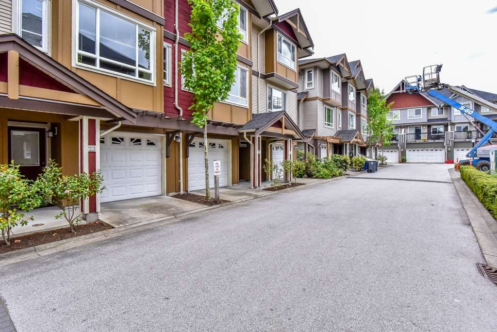 """Main Photo: 23 7088 191 Street in Surrey: Clayton Townhouse for sale in """"Montana"""" (Cloverdale)  : MLS®# R2270261"""