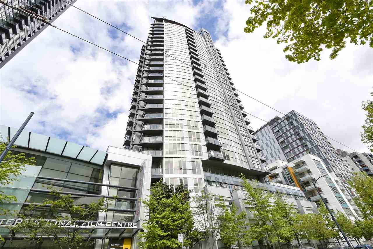 """Main Photo: 705 1155 SEYMOUR Street in Vancouver: Downtown VW Condo for sale in """"BRAVA NORTH"""" (Vancouver West)  : MLS®# R2453073"""