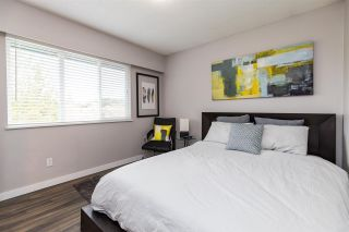 """Photo 18: 7887 227 Crescent in Langley: Fort Langley House for sale in """"Forest Knolls"""" : MLS®# R2561927"""