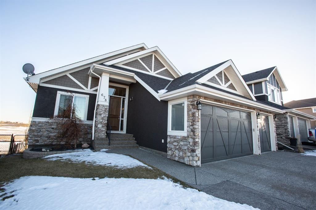 Main Photo: 678 Muirfield Crescent: Lyalta Detached for sale : MLS®# A1052688