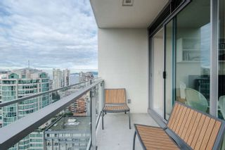 """Photo 10: 2207 1351 CONTINENTAL Street in Vancouver: Downtown VW Condo for sale in """"MADDOX"""" (Vancouver West)  : MLS®# R2040078"""