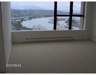 Photo 4: 2203 15 E Royal Avenue in New Westminster: Fraserview NW Condo for sale : MLS®# V881208