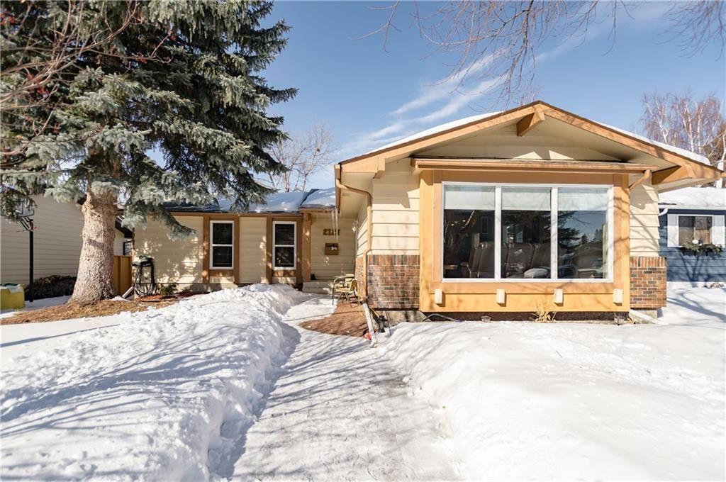 Main Photo: 2127 DEER SIDE Drive SE in Calgary: Deer Run House for sale : MLS®# C4172812