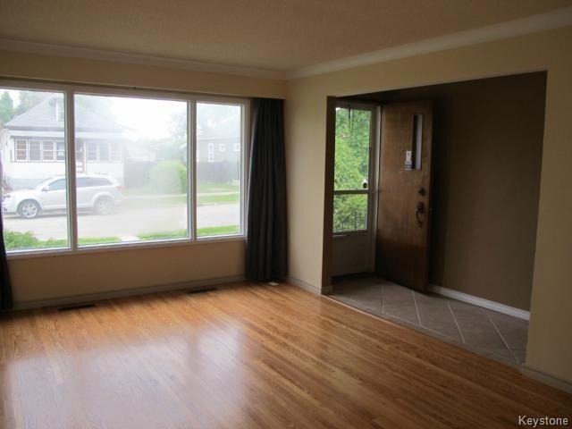 Photo 9: Photos:  in WINNIPEG: East Kildonan Residential for sale (North East Winnipeg)  : MLS®# 1414106