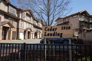 """Photo 1: 7 2950 LEFEUVRE Road in Abbotsford: Aberdeen Townhouse for sale in """"Cedar Landing"""" : MLS®# R2462151"""