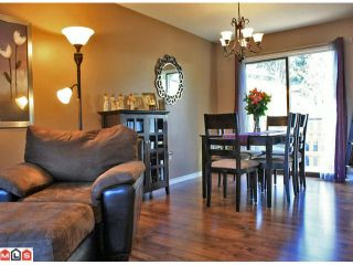 Photo 3: 34394 FRASER Street in Abbotsford: Central Abbotsford House for sale : MLS®# F1200696