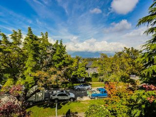 """Photo 16: 3240 W 21ST Avenue in Vancouver: Dunbar House for sale in """"Dunbar"""" (Vancouver West)  : MLS®# R2000254"""