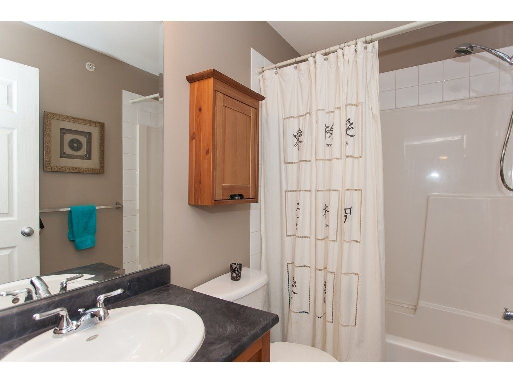 """Photo 16: Photos: 412 33960 OLD YALE Road in Abbotsford: Central Abbotsford Condo for sale in """"Old Yale Heights"""" : MLS®# R2241666"""