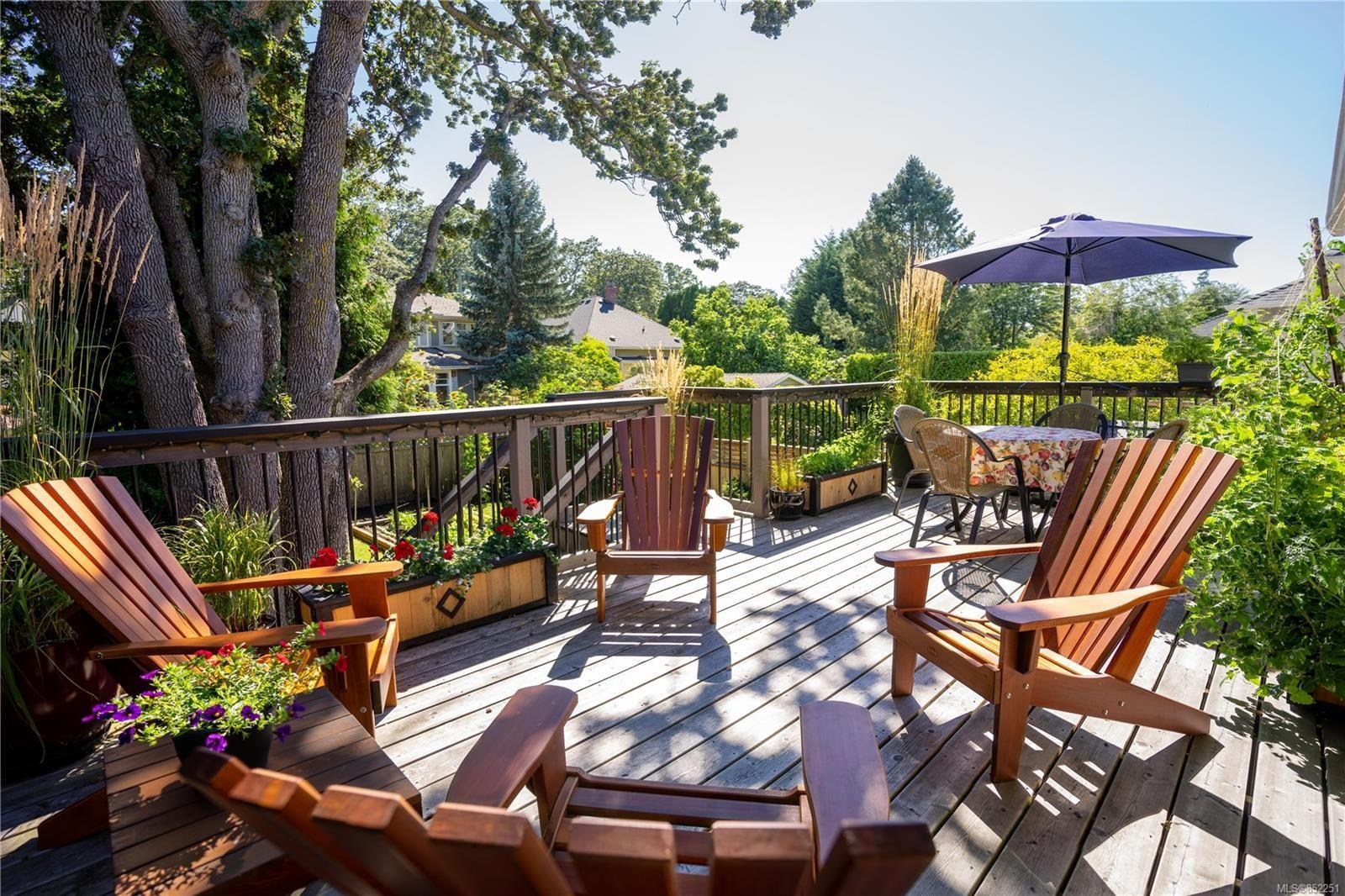 Photo 28: Photos: 2363 Pacific Ave in : OB Estevan House for sale (Oak Bay)  : MLS®# 852251