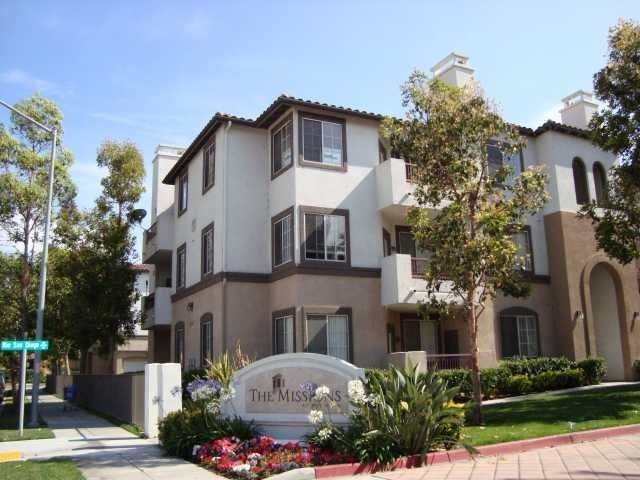 Main Photo: MISSION VALLEY Condo for sale : 2 bedrooms : 2182 Gill Village Way #604 in San Diego