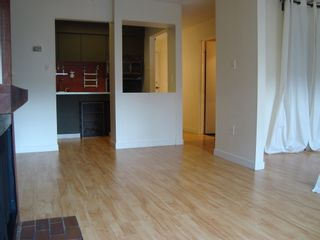 Photo 4: 102 265 15TH Ave E in The Woodglen: Mount Pleasant VE Home for sale ()  : MLS®# V883488
