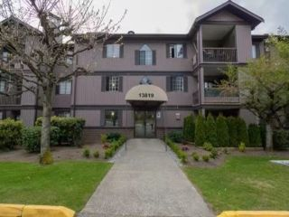 Photo 1: 2205 13819 100 Avenue in Surrey: Whalley Condo for sale (North Surrey)  : MLS®# R2534305