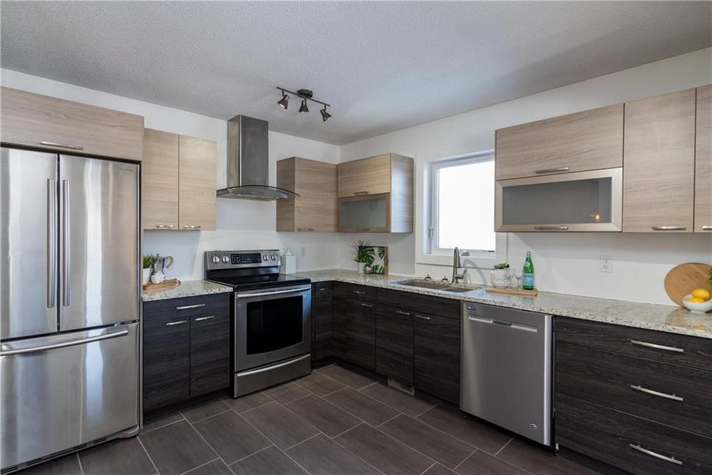 Photo 9: Photos: 178 Willowbend Crescent in Winnipeg: River Park South Residential for sale (2F)  : MLS®# 202103532