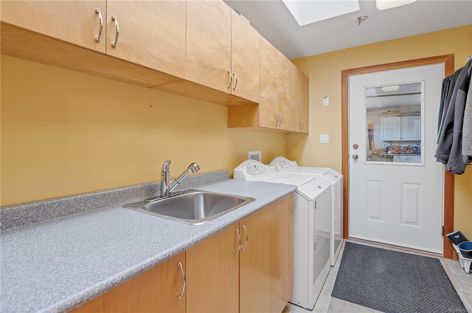 Photo 20: Photos: 253 S Alder St in : CR Campbell River South House for sale (Campbell River)  : MLS®# 857027