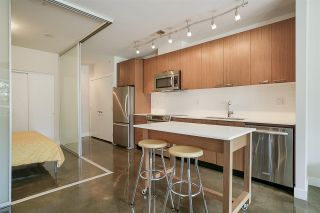"""Photo 6: 219 221 UNION Street in Vancouver: Mount Pleasant VE Condo for sale in """"V6A"""" (Vancouver East)  : MLS®# R2201874"""