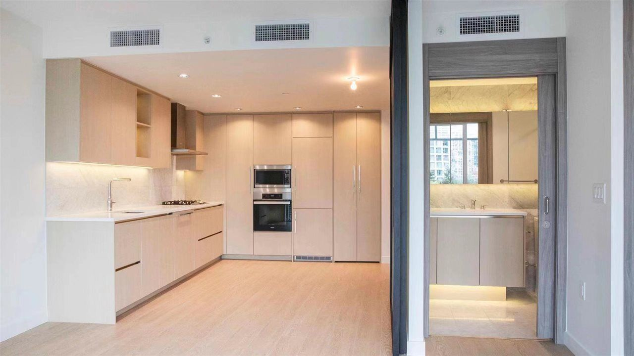 """Main Photo: 603 89 NELSON Street in Vancouver: Yaletown Condo for sale in """"THE ARC"""" (Vancouver West)  : MLS®# R2414880"""