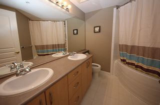 """Photo 13: 302 2966 SILVER SPRINGS BLV Boulevard in Coquitlam: Westwood Plateau Condo for sale in """"TAMARISK"""" : MLS®# R2171293"""