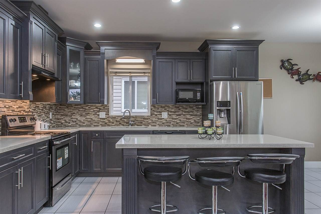 Main Photo: 3108 ENGINEER Court in Abbotsford: Aberdeen House for sale : MLS®# R2251548