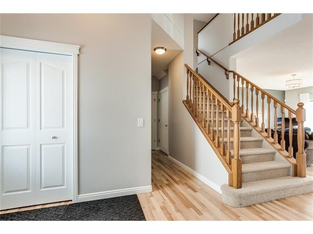 Photo 2: Photos: 46 PRESTWICK Parade SE in Calgary: McKenzie Towne House for sale : MLS®# C4103009