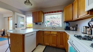 "Photo 10: 2363 THE BOULEVARD in Squamish: Garibaldi Highlands House for sale in ""Garibaldi Highlands"" : MLS®# R2602086"