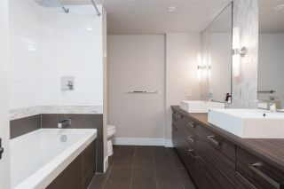 """Photo 18: 1406 1783 MANITOBA Street in Vancouver: False Creek Condo for sale in """"Residences at West"""" (Vancouver West)  : MLS®# R2457734"""