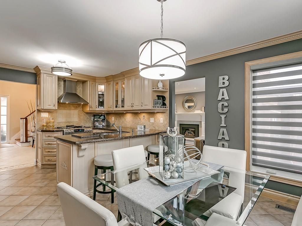 Photo 14: Photos: 2140 SIXTH Line in Oakville: Residential for sale : MLS®# H4068509