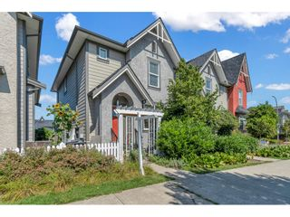 Photo 1: 21081 80 Avenue in Langley: Willoughby Heights Condo for sale : MLS®# R2490786