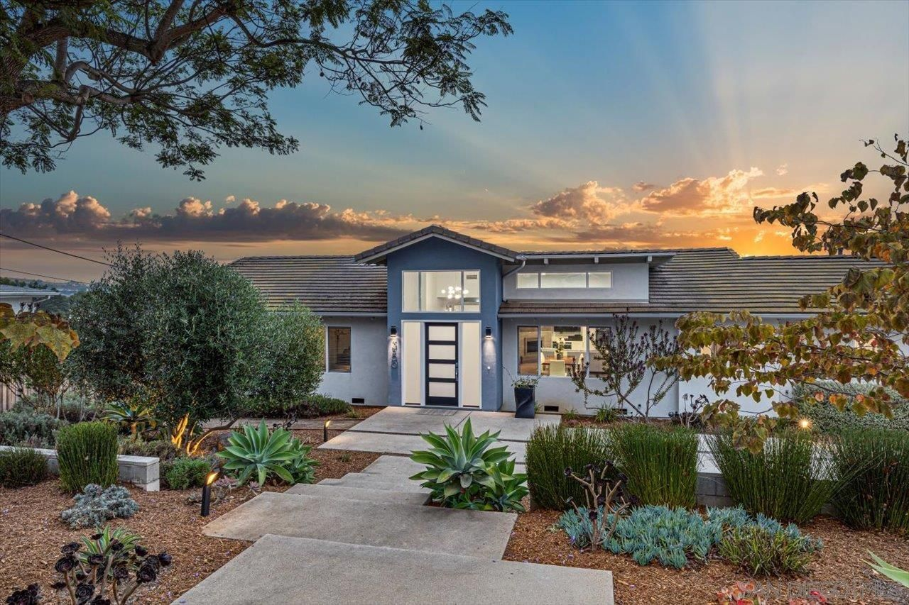 Main Photo: CARLSBAD WEST House for sale : 5 bedrooms : 3800 Alder Ave in Carlsbad