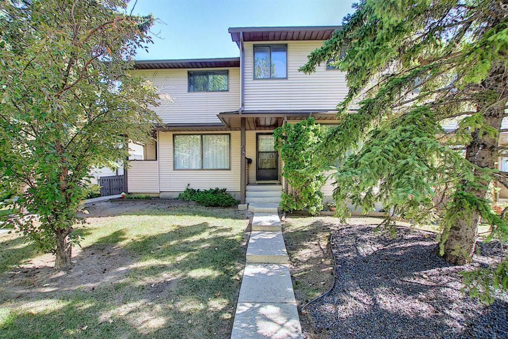 Main Photo: 58 380 BERMUDA Drive NW in Calgary: Beddington Heights Row/Townhouse for sale : MLS®# A1026855