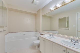 "Photo 14: 67 6885 184 Street in Surrey: Cloverdale BC Townhouse for sale in ""CREEKSIDE"" (Cloverdale)  : MLS®# R2539320"