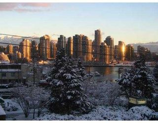 """Photo 1: 6 1266 W 6TH Avenue in Vancouver: Fairview VW Townhouse for sale in """"CAMDEN COURT"""" (Vancouver West)  : MLS®# V688576"""
