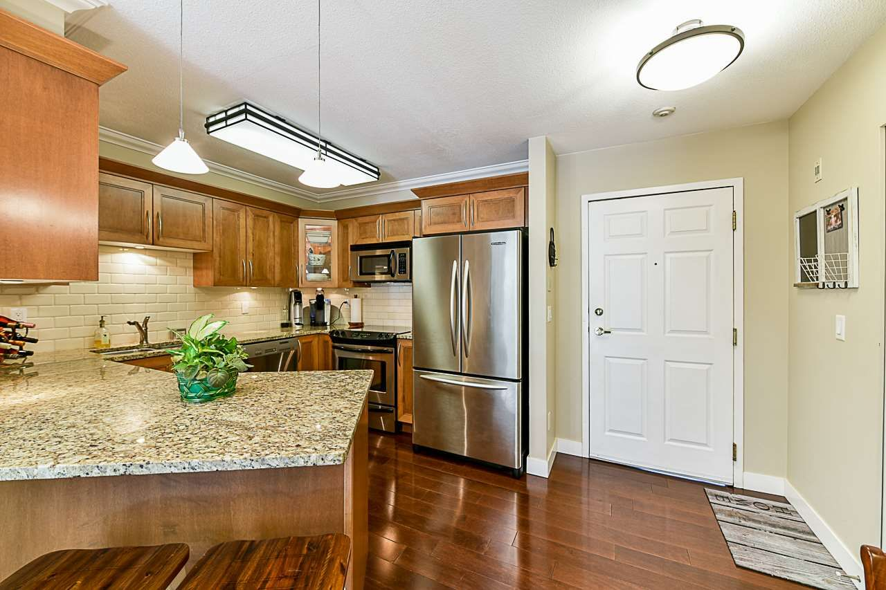 Photo 4: Photos: 213 25 RICHMOND STREET in New Westminster: Fraserview NW Condo for sale : MLS®# R2357441